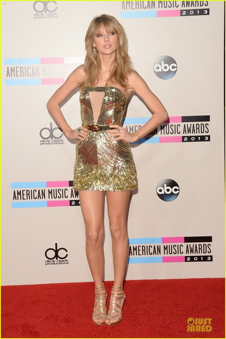 taylor-swift-amas-2013-red-carpet-01 (466x700, 79Kb)