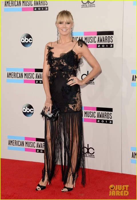 nicole-richie-heidi-klum-amas-2013-red-carpet-05 (479x700, 81Kb)