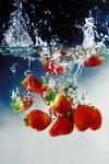 Превью strawberry_by_guszti132 (466x700, 263Kb)