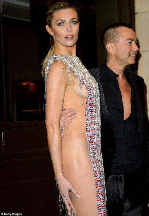 экстравагантное платье фото 3 (485x700, 163Kb)