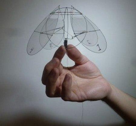 Как сделать из бумаги орнитоптер 22