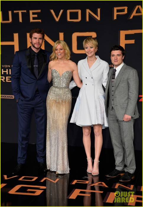 jennifer-lawrence-liam-hemsworth-hunger-games-catching-fire-germany-premiere-02 (484x700, 86Kb)