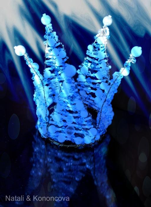 корона в северном сиянии (513x700, 256Kb)