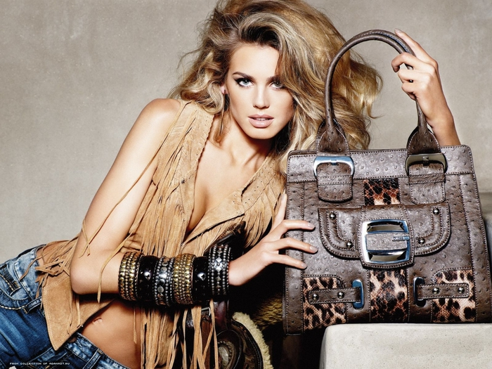 распродажа кожаных сумок (3) (700x525, 319Kb)