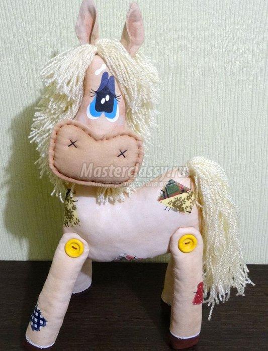 лошадка на новый год как сделать связать сшить лошадку на новый год самодельный символ 2014 года,/1385602708_1362747999_1 (533x700, 80Kb)