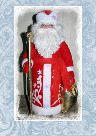 как сделать новогодний чехол на бутылку шампанского, новогодний чехол на бутылку шампанского в виде деда Мороза, как сшить деда Мороза. выкройка деда мороза,  Чехол на шампанское от Хьюго Пьюго,