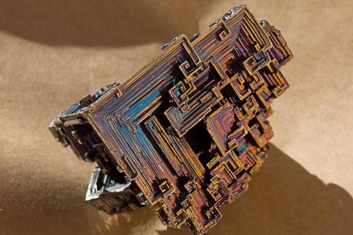 кристалы висмута 2 (700x466, 341Kb)