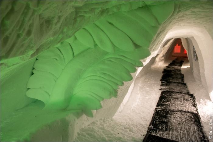 снежный грот в альпах фото 1 (700x466, 303Kb)