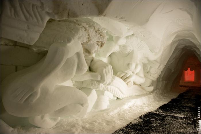 снежный грот в альпах фото 5 (700x467, 288Kb)