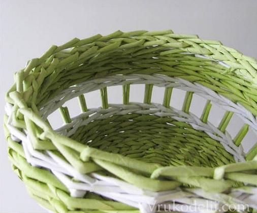 Плетение из газет. Нежная ажурная шкатулка (10) (506x419, 121Kb)