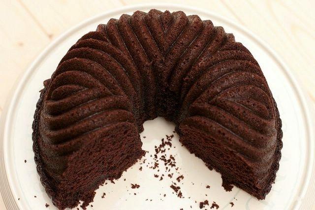 Temnyy shokoladnyy pirog 1 (640x426, 135Kb)