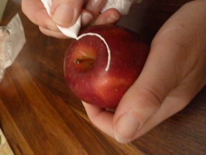 Ажурные яблочки к Рождеству. Очень красиво) (3) (660x495, 110Kb)