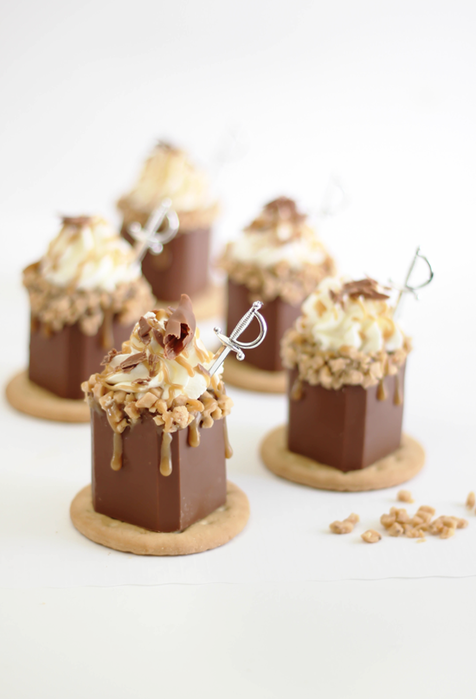 butter toffee shots in edible chocolate shot glasses 2 (476x700, 260Kb)