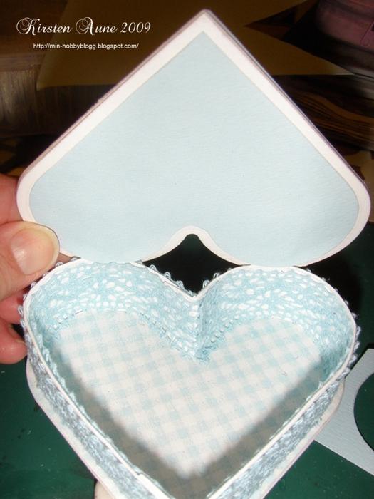 caja en forma de corazón con las manos (16) (525x700, 252Kb)