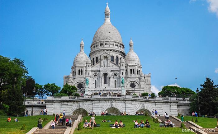 отдых в париже/1385720310_Bazilika_SakreKyor_parizh_foto (700x431, 144Kb)