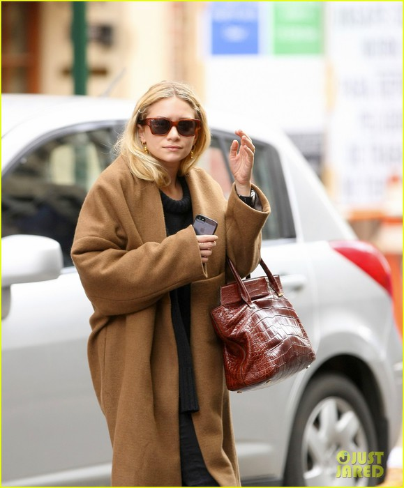 ashley-olsen-madison-avenue-shopper-05 (579x700, 77Kb)