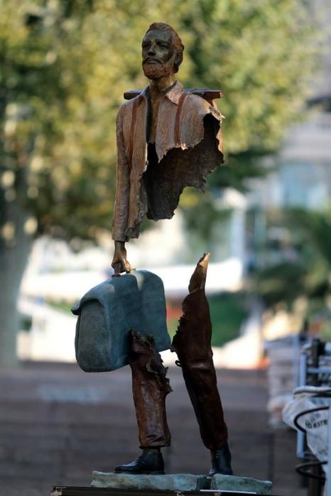 скульптуры Бруно Каталано 2 (466x700, 187Kb)