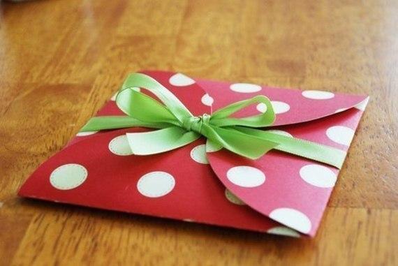 Как сделать простой и красивый подарок своими руками