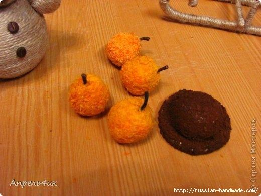Санки, снеговик и елочка из джута и кофейных зерен. Мастер-класс (23) (520x390, 111Kb)