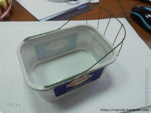 санки из пластиковой коробочки (6) (520x390, 71Kb)