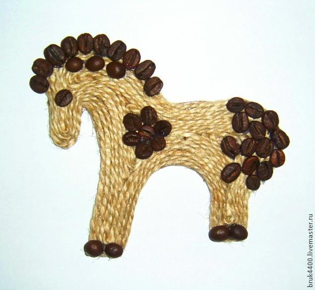 Кофейно-джутовые лошадки - магнитики на холодильник (5) (635x586, 123Kb)