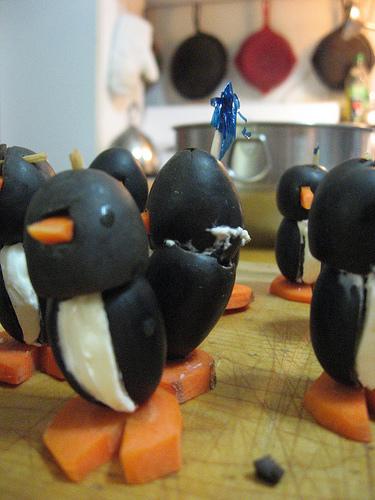 пингвин из оливок/5451862_1_2_ (375x500, 162Kb)