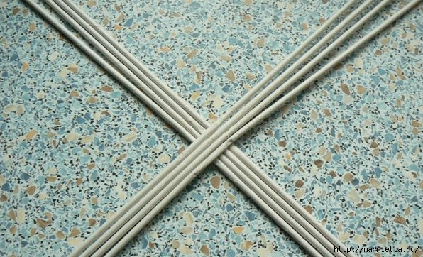 Мастер-класс по плетению дна из газетных трубочек (2) (596x362, 241Kb)