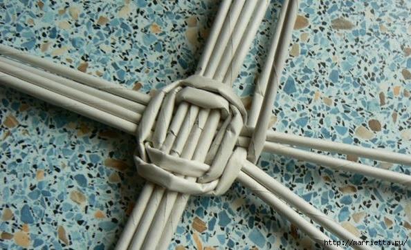 Мастер-класс по плетению дна из газетных трубочек (10) (594x362, 183Kb)