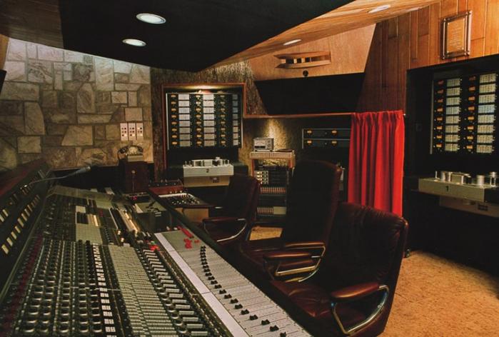 Студия, в которой Фредди Меркьюри записал свой последнюю песню