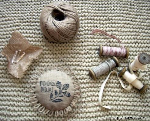 Идеи упаковки новогодних подарков. Шьем мешочки и украшаем их орешками (15) (491x397, 182Kb)