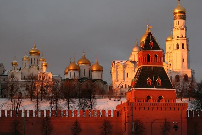 3455057_Vid_na_Kreml_so_storoni_reki (700x466, 255Kb)