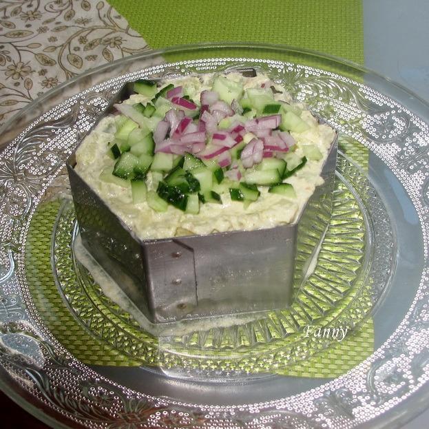Праздничный порционный салат А-ЛЯ РУС с копченой семгой  (2) (623x623, 381Kb)