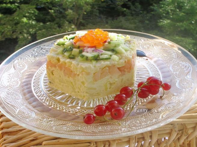 Праздничный порционный салат А-ЛЯ РУС с копченой семгой  (4) (655x491, 276Kb)