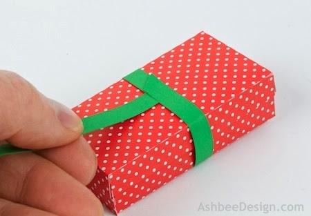 Renos y trineo con los regalos de Navidad de papel.  Plantillas (5) (450x313, 78Kb)