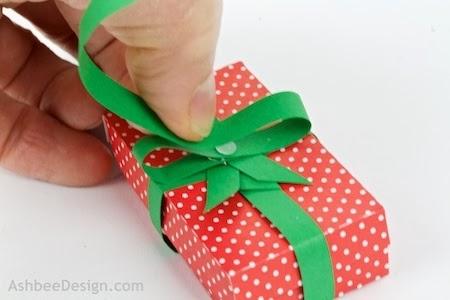 Renos y trineo con los regalos de Navidad de papel.  Plantillas (7) (450x300, 71Kb)