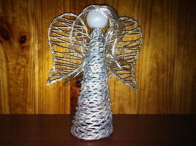 Как сделать ангела из газетных трубочек к Новому году. Мастер класс