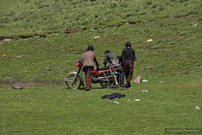 обряд небесного погребения тибет 3 (700x467, 325Kb)