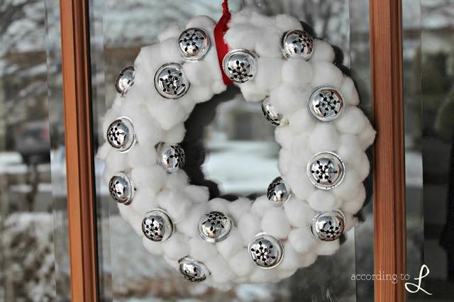Венок новогодний своими руками из ватных дисков