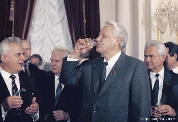 Обстоятельства, которые привели к развалу СССР