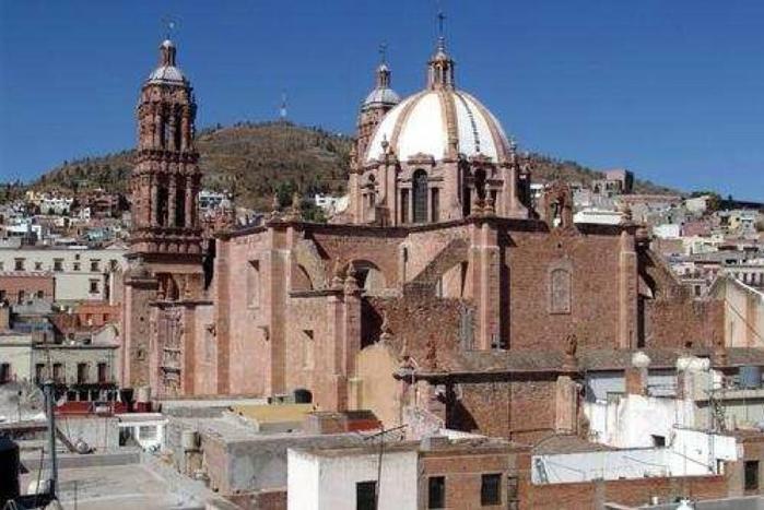 5. Сакатекас Мексика (700x467, 226Kb)