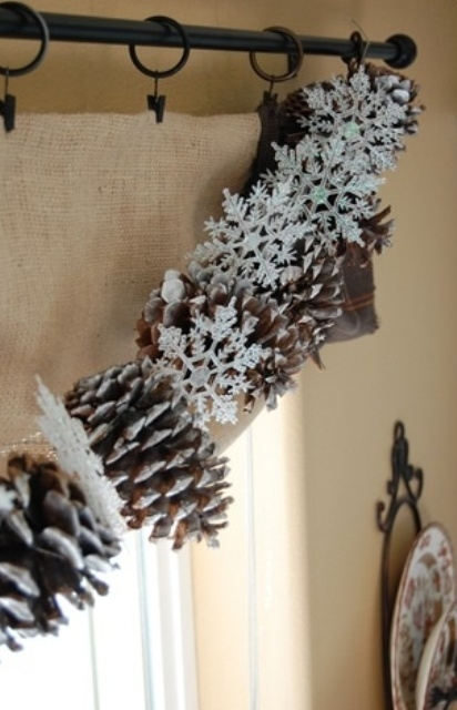 how-to-use-snowflakes-in-winter-decor-ideas-6 (412x640, 141Kb)
