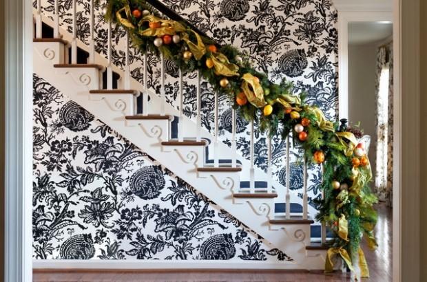 Дизайн интерьера. Потрясающие идеи украшения лестниц к Рождеству (1) (620x410, 236Kb)