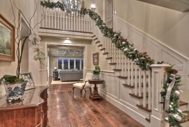 Дизайн интерьера. Потрясающие идеи украшения лестниц к Рождеству (8) (620x418, 155Kb)