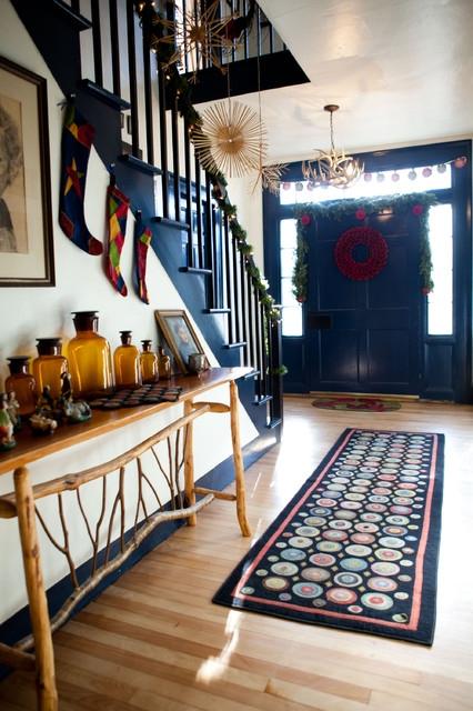 Дизайн интерьера. Потрясающие идеи украшения лестниц к Рождеству (17) (426x640, 222Kb)