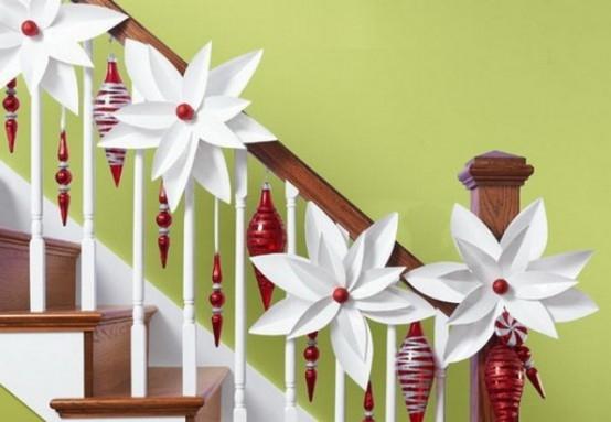 Дизайн интерьера. Потрясающие идеи украшения лестниц к Рождеству (50) (554x383, 99Kb)