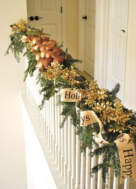 Дизайн интерьера. Потрясающие идеи украшения лестниц к Рождеству (57) (459x640, 178Kb)