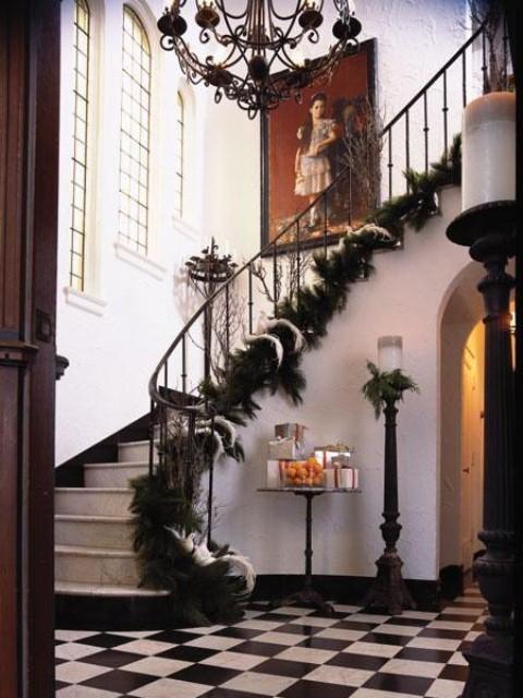Дизайн интерьера. Потрясающие идеи украшения лестниц к Рождеству (63) (480x640, 186Kb)