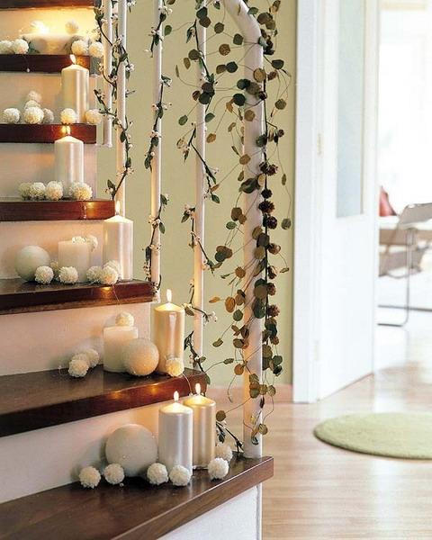 Дизайн интерьера. Потрясающие идеи украшения лестниц к Рождеству (66) (480x600, 193Kb)