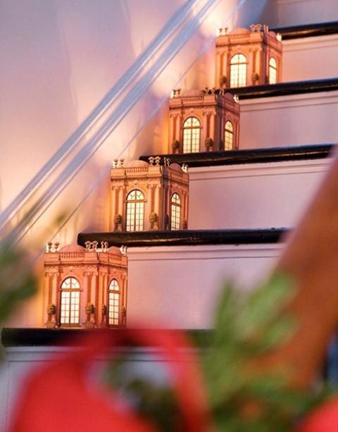 Дизайн интерьера. Потрясающие идеи украшения лестниц к Рождеству (70) (480x613, 154Kb)