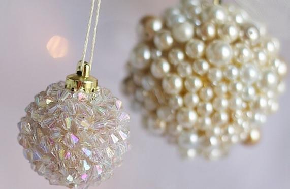 las bolas de Navidad y preciosos árboles de Navidad con perlas y cuentas (5) (571x372, 104Kb)